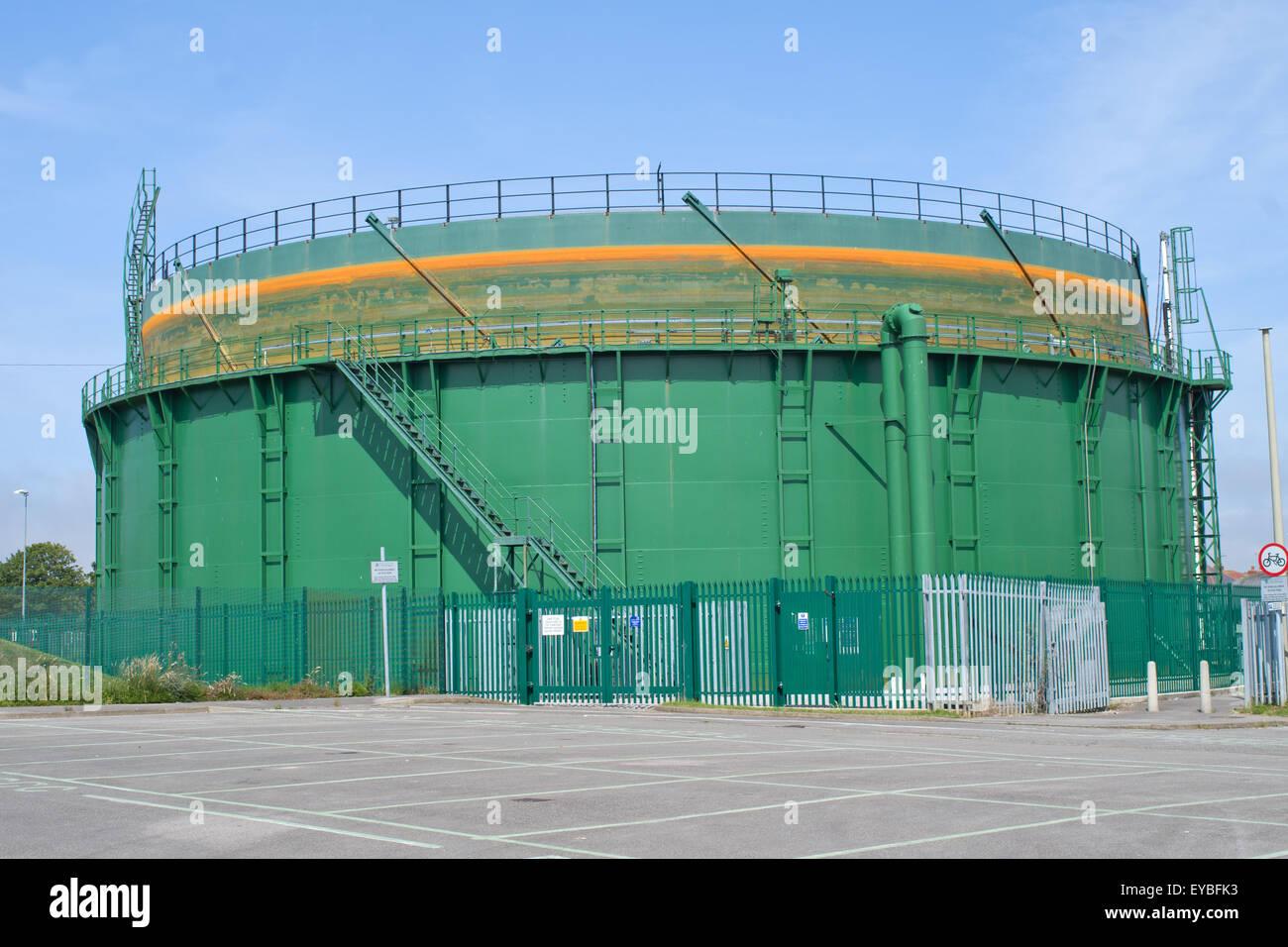 Gas Oder Holzkohlegrill Yorkshire : Large fuel tank stockfotos & large fuel tank bilder alamy