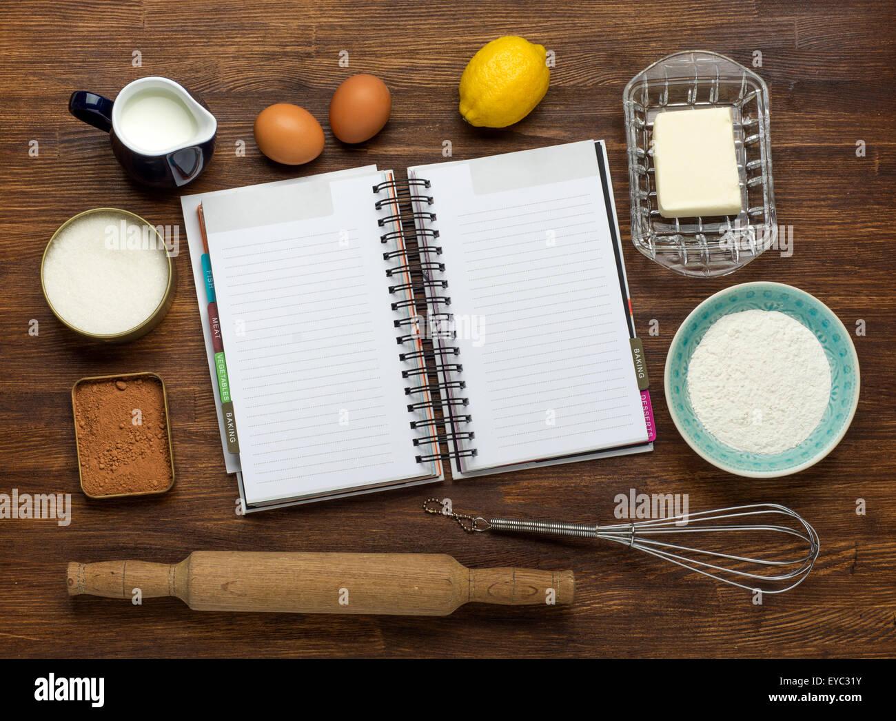 Backen Kuchen in ländlichen Küche - Teig Rezept Zutaten: Mehl, Milch ...