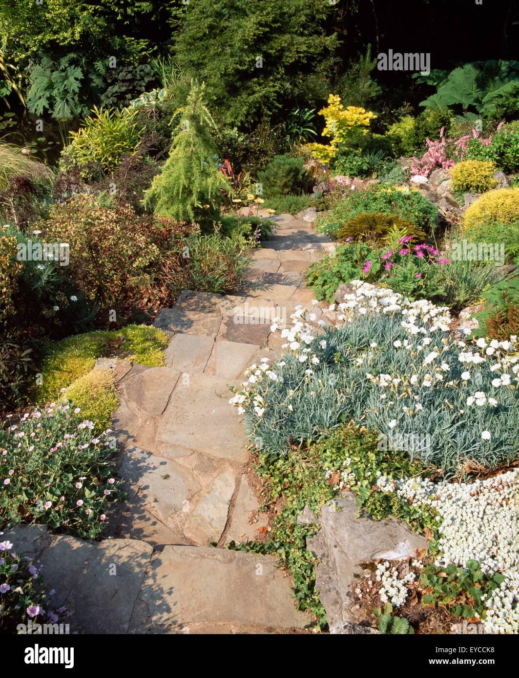 Steingarten Garten Hanglage Garten Co Cork Irland Sommer