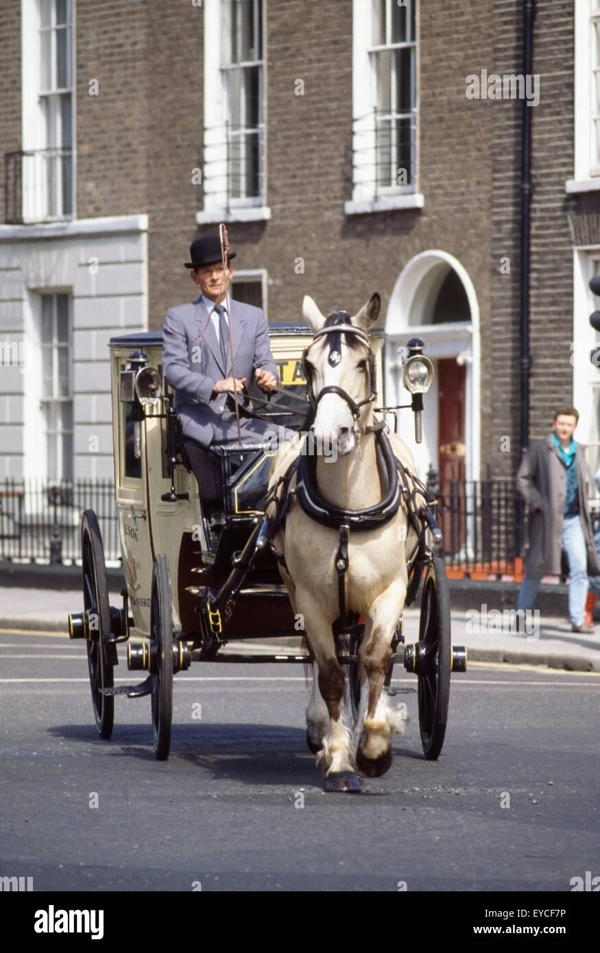 Altmodische Pferd und Wagen, Stadt Dublin, County Dublin, Irland Stockbild
