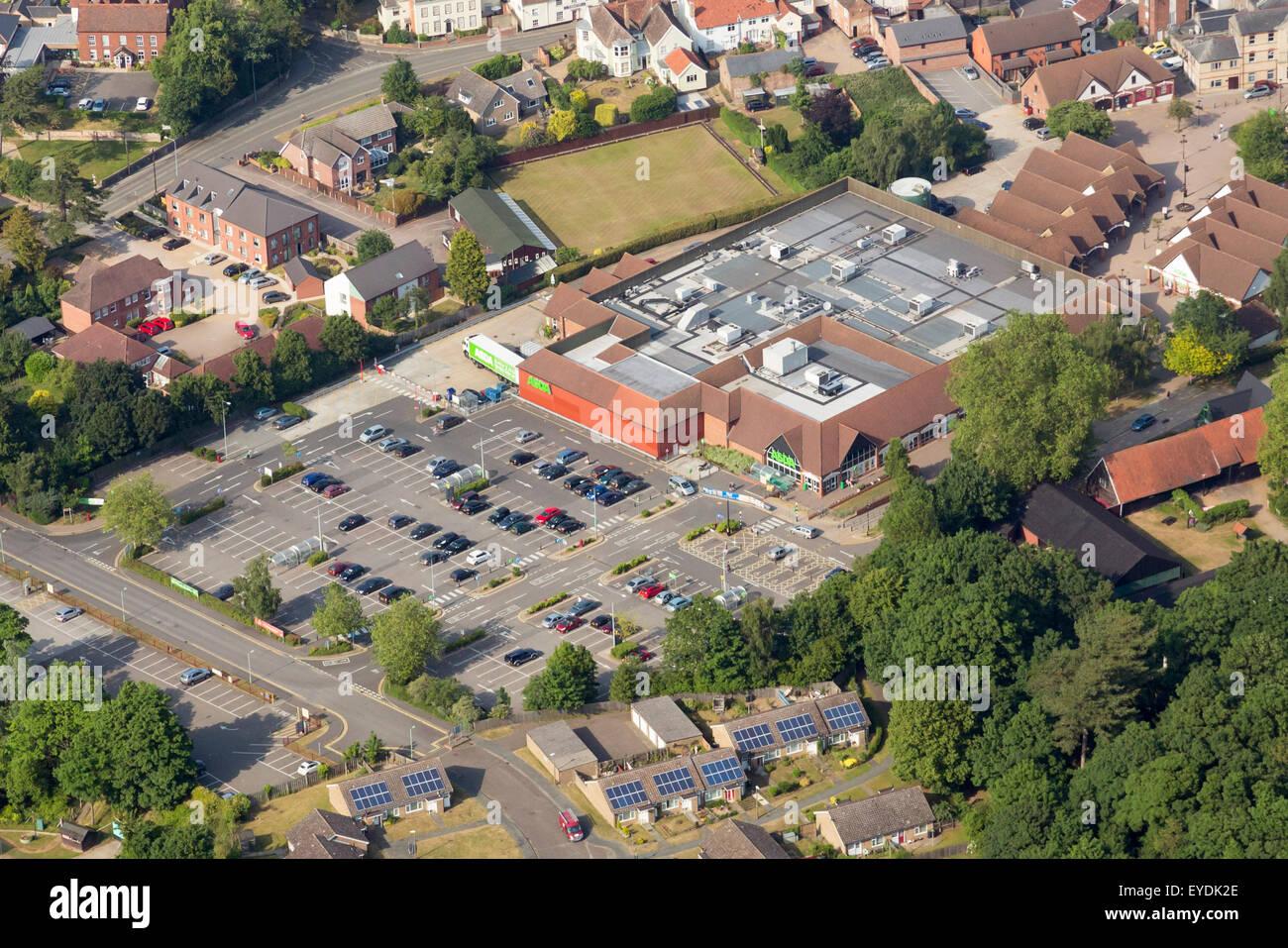 Luftbild-Ansicht von Asda Supermarkt Stockbild