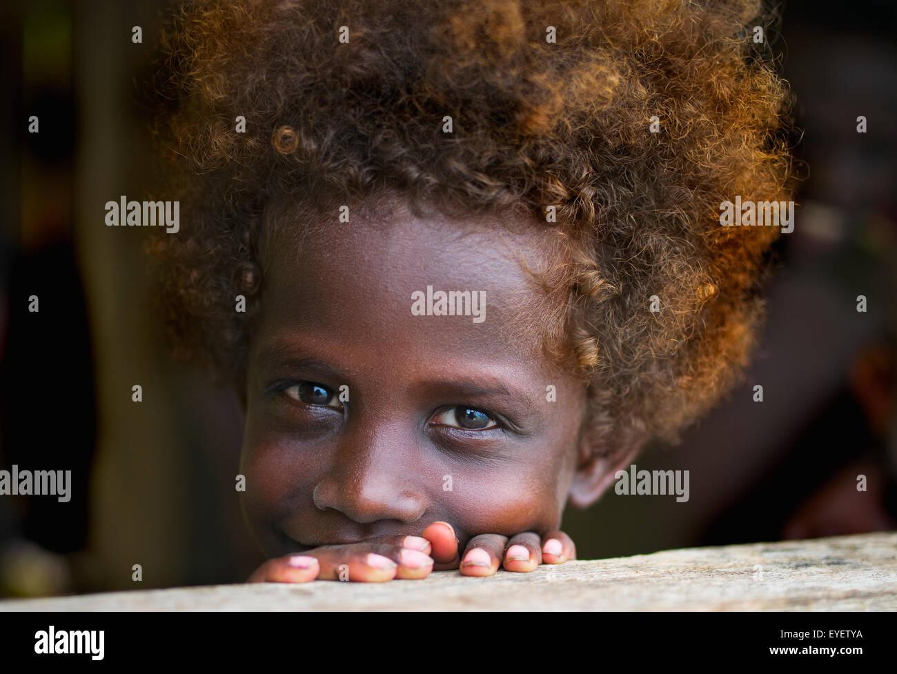 Porträt eines jungen Mädchens der Solomon Island; Gizo, Western Province, Salomonen Stockbild