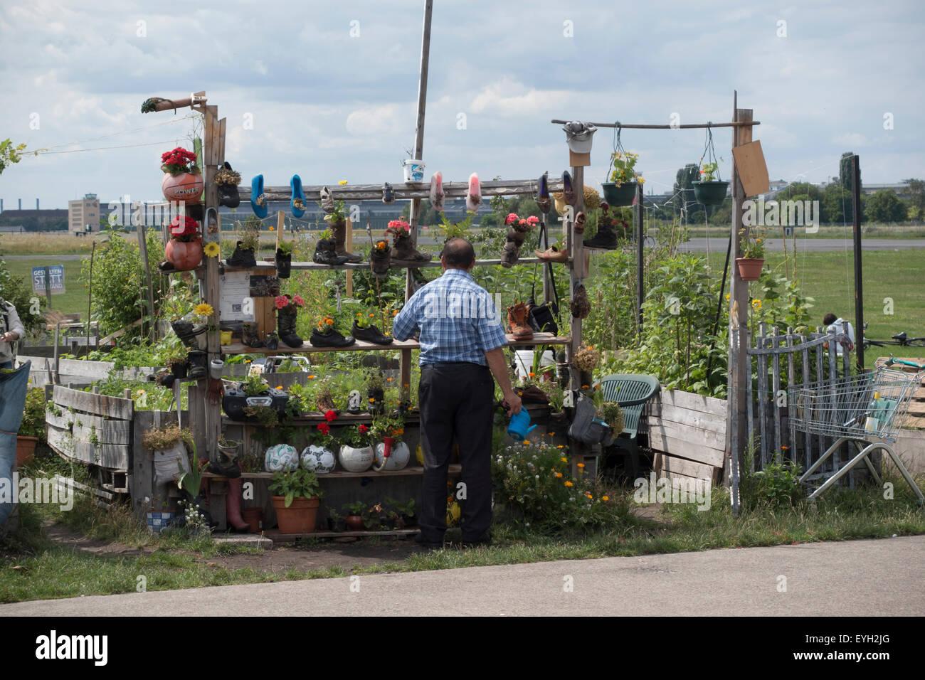 Gartengrundstück berlin  Garten-Grundstück am Flughafen Tempelhof, Berlin, Deutschland ...