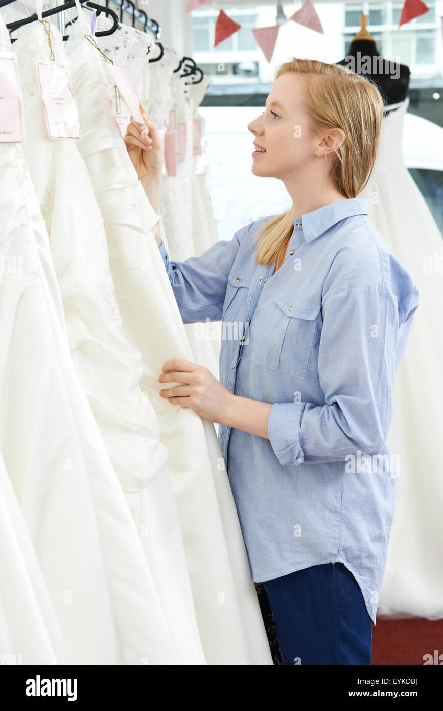 Bride Price Stockfotos & Bride Price Bilder - Alamy