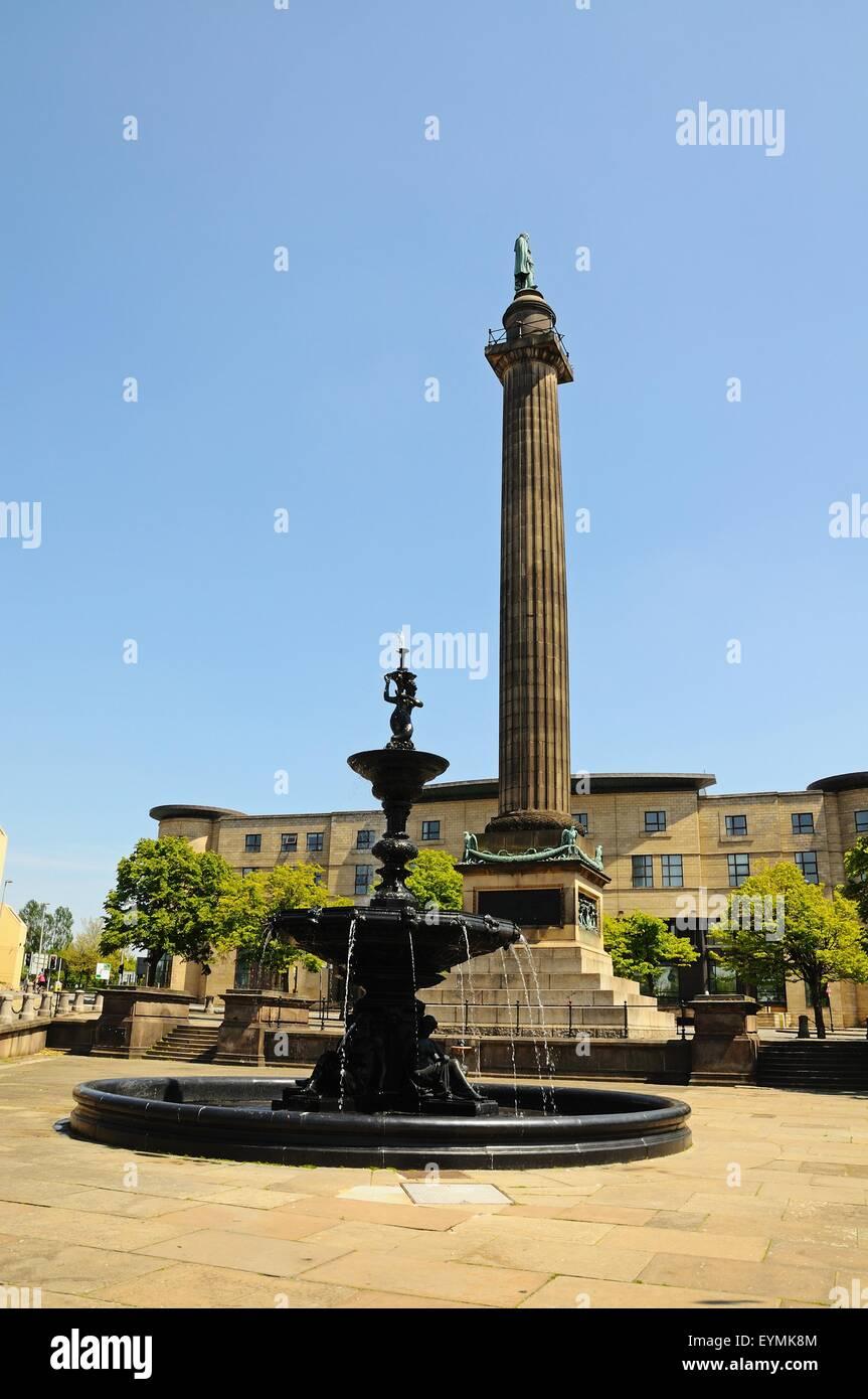 Die Steble Brunnen mit Wellingtons Spalte nach hinten, Liverpool, Merseyside, England, Vereinigtes Königreich, Stockbild