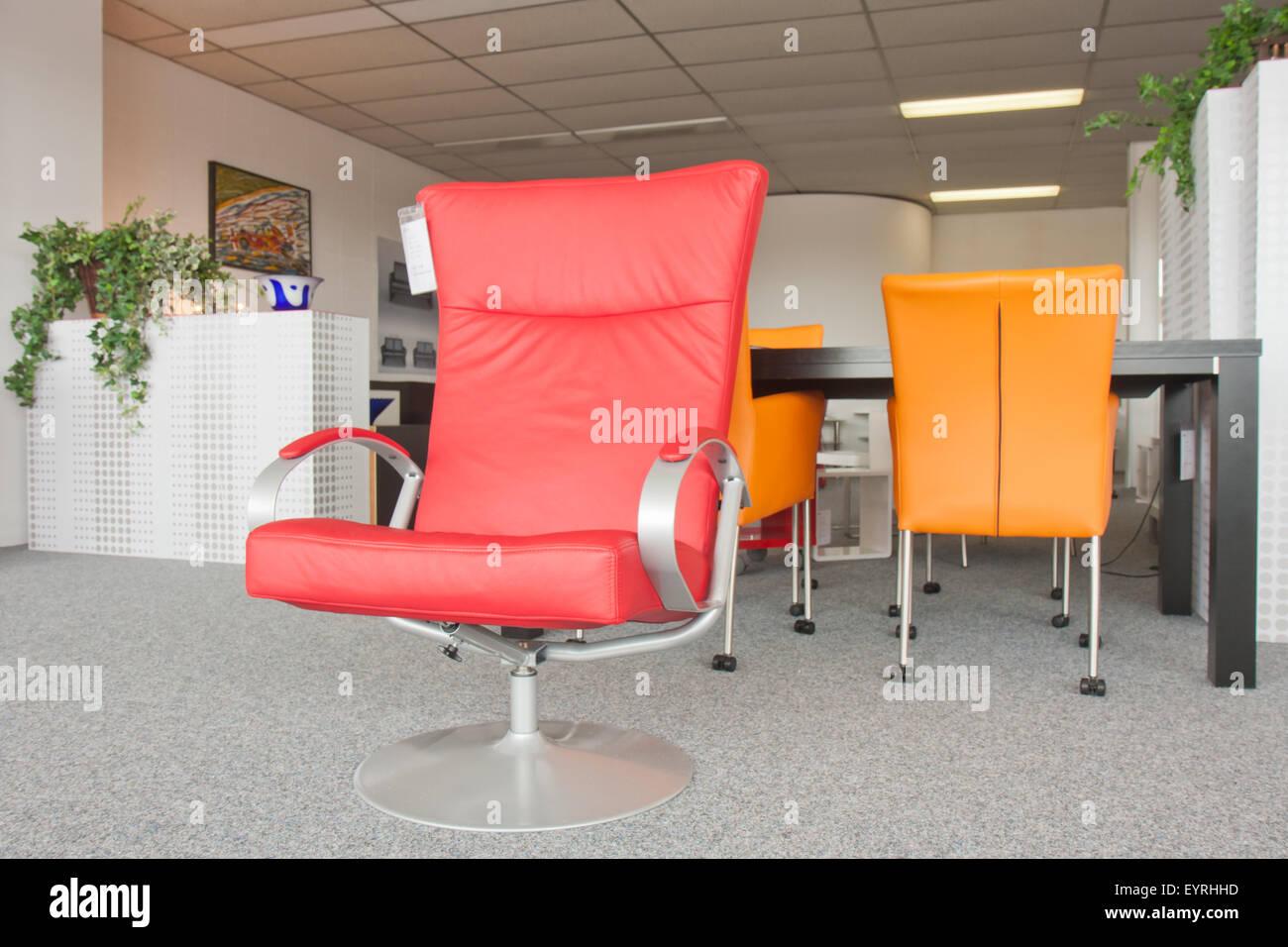 showroom fur moderne mobel stockbild