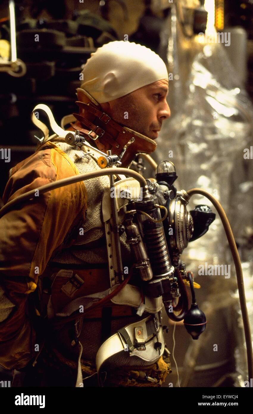Twelve Monkeys; Baujahr: 1995 USA; Regie: Terry Gilliam; Bruce Willis; Foto: Phil Caruso Stockbild