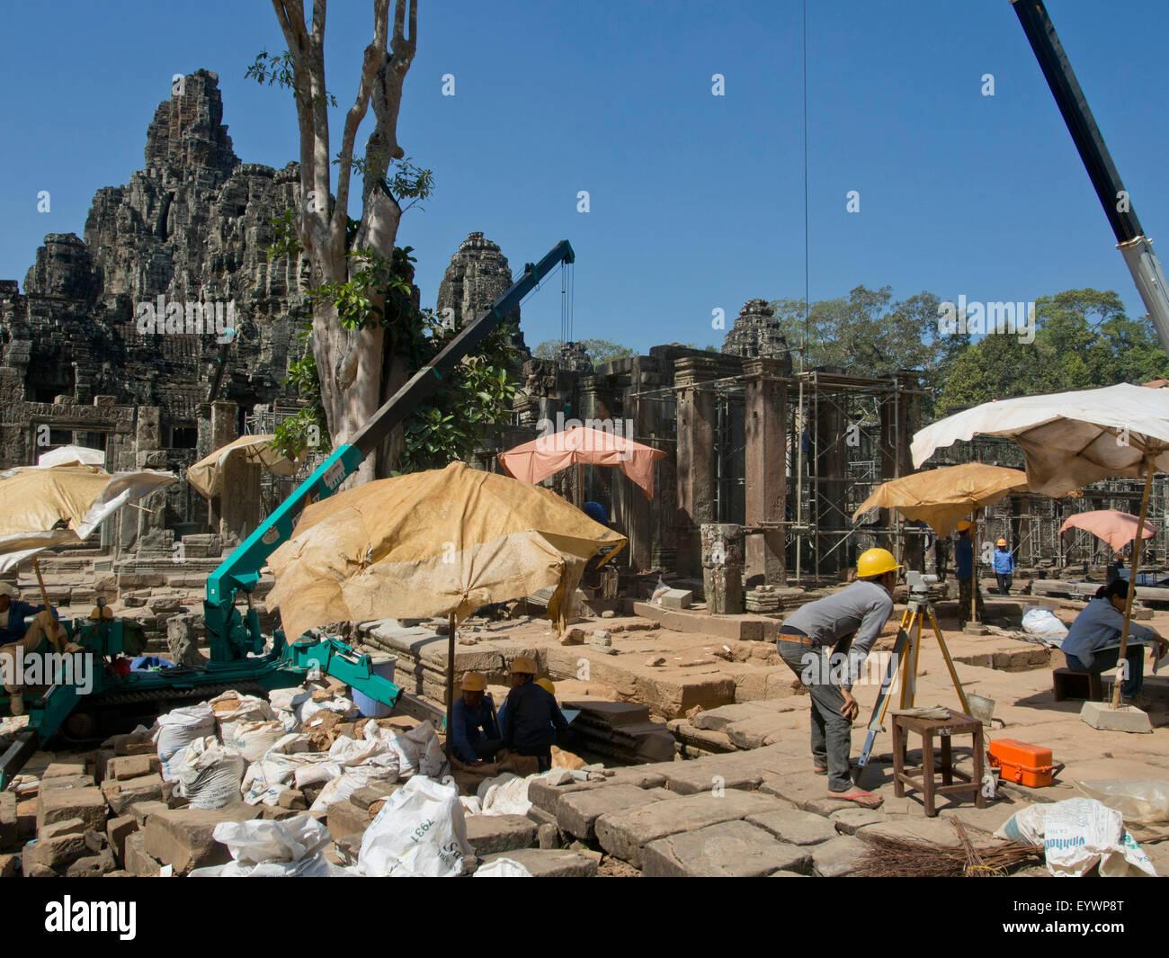 Restaurierungsarbeiten am Angkor Wat archäologischen Park, UNESCO, Siem Reap, Kambodscha, Indochina, Südostasien, Stockbild