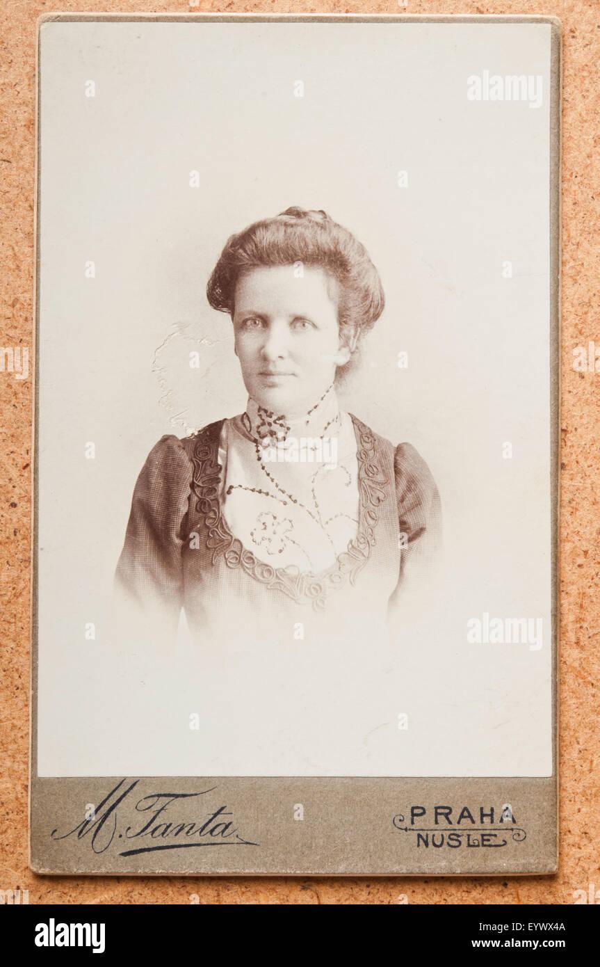 Jahrhundert Cdv Oder Carte De Visite Foto Portrait Einer Frau