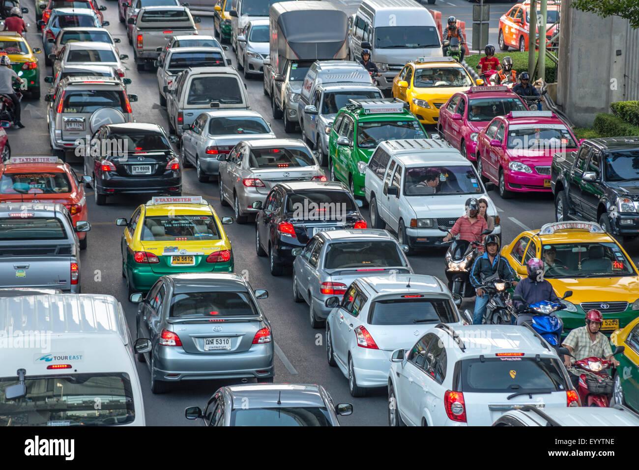 Rush Hour Traffic mit Stau in der Innenstadt von Bangkok, Thailand, Bangkok Stockbild
