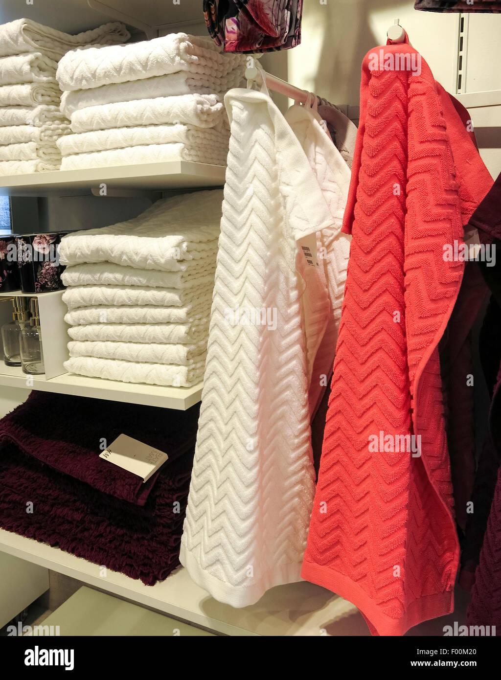 Bettwäsche Und Handtücher H M Kleidung Store Interieur Im Herald
