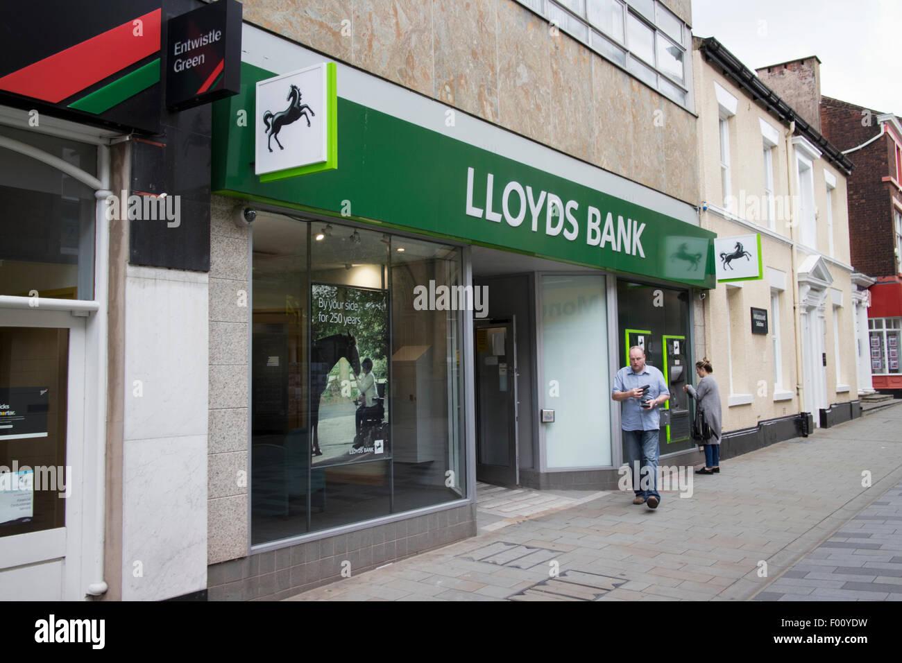 Lloyds Bank Filiale St. Helens Town centre uk Stockbild