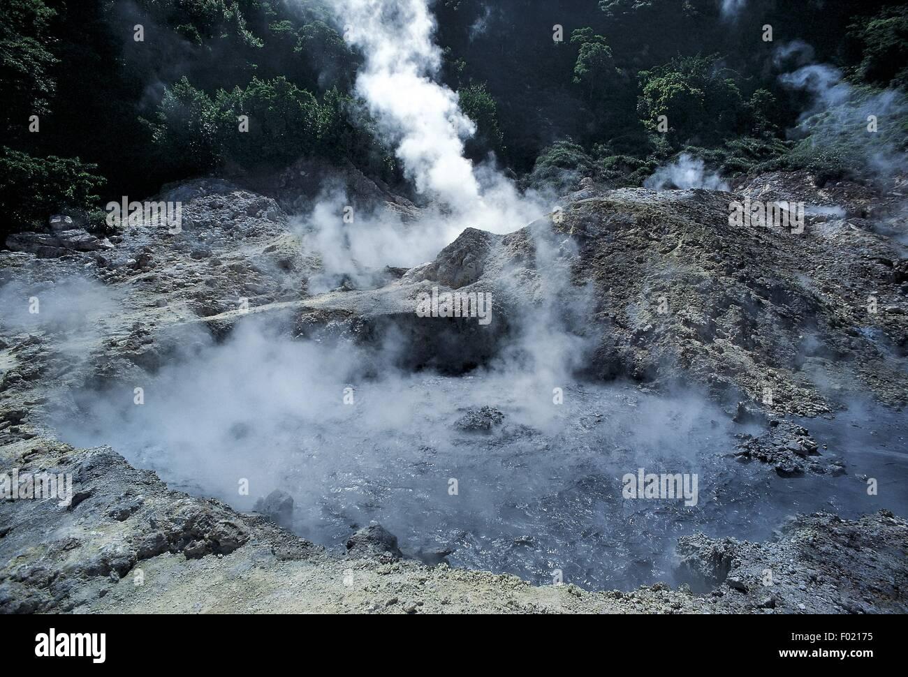 Westindische Inseln - Antillen - St. Lucia - schwefelhaltige Dampfventil (Solfatara) Stockbild