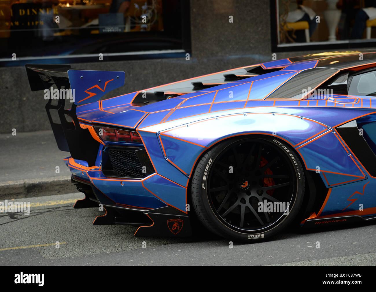 Lamborghini Parked Stockfotos Lamborghini Parked Bilder