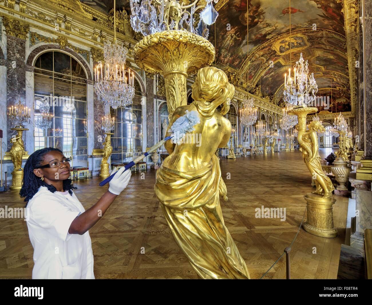 Kronleuchter Für Saal ~ Saal des schloss versailles mit spiegeln fresken und