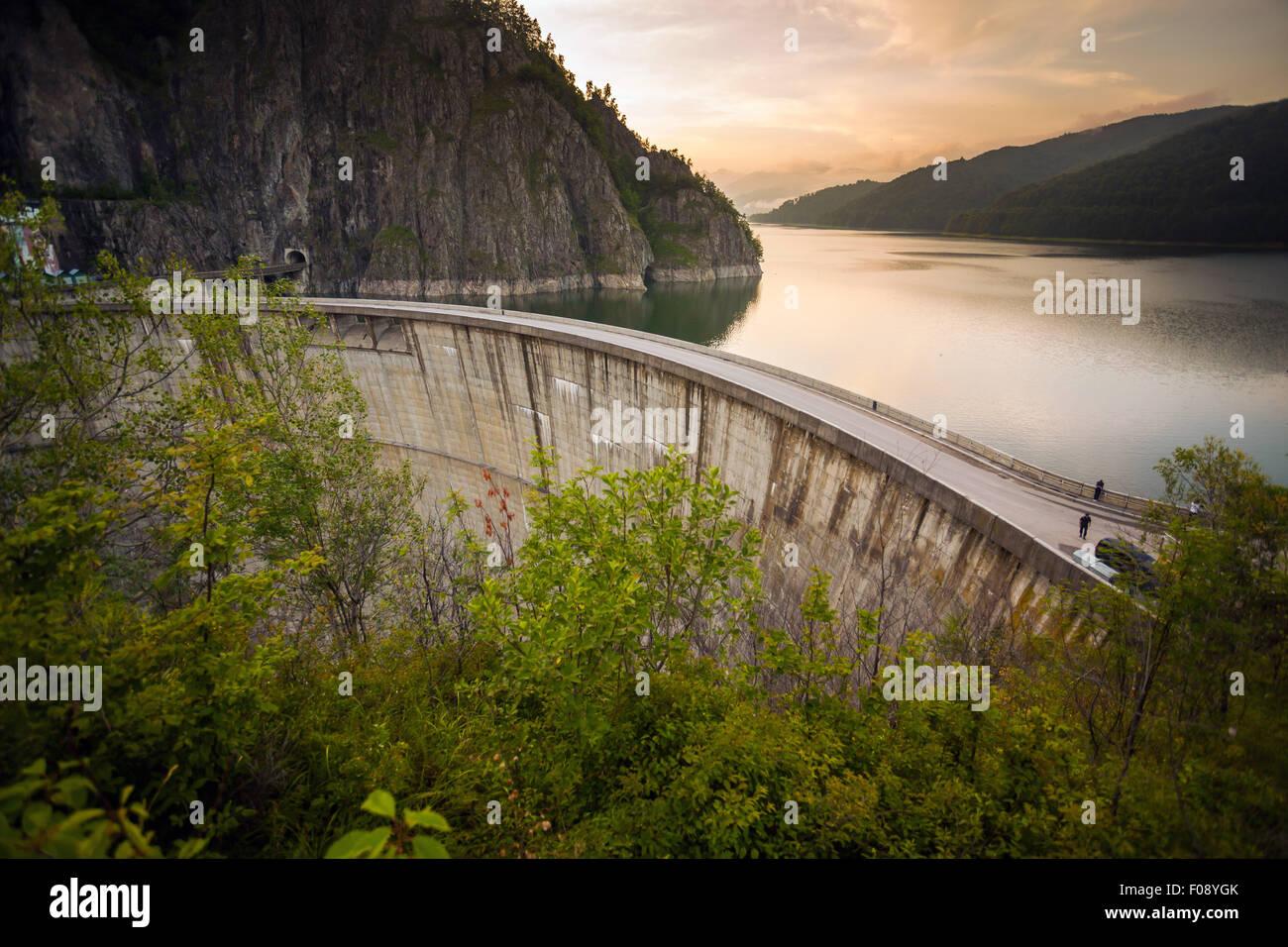 Künstlicher Damm