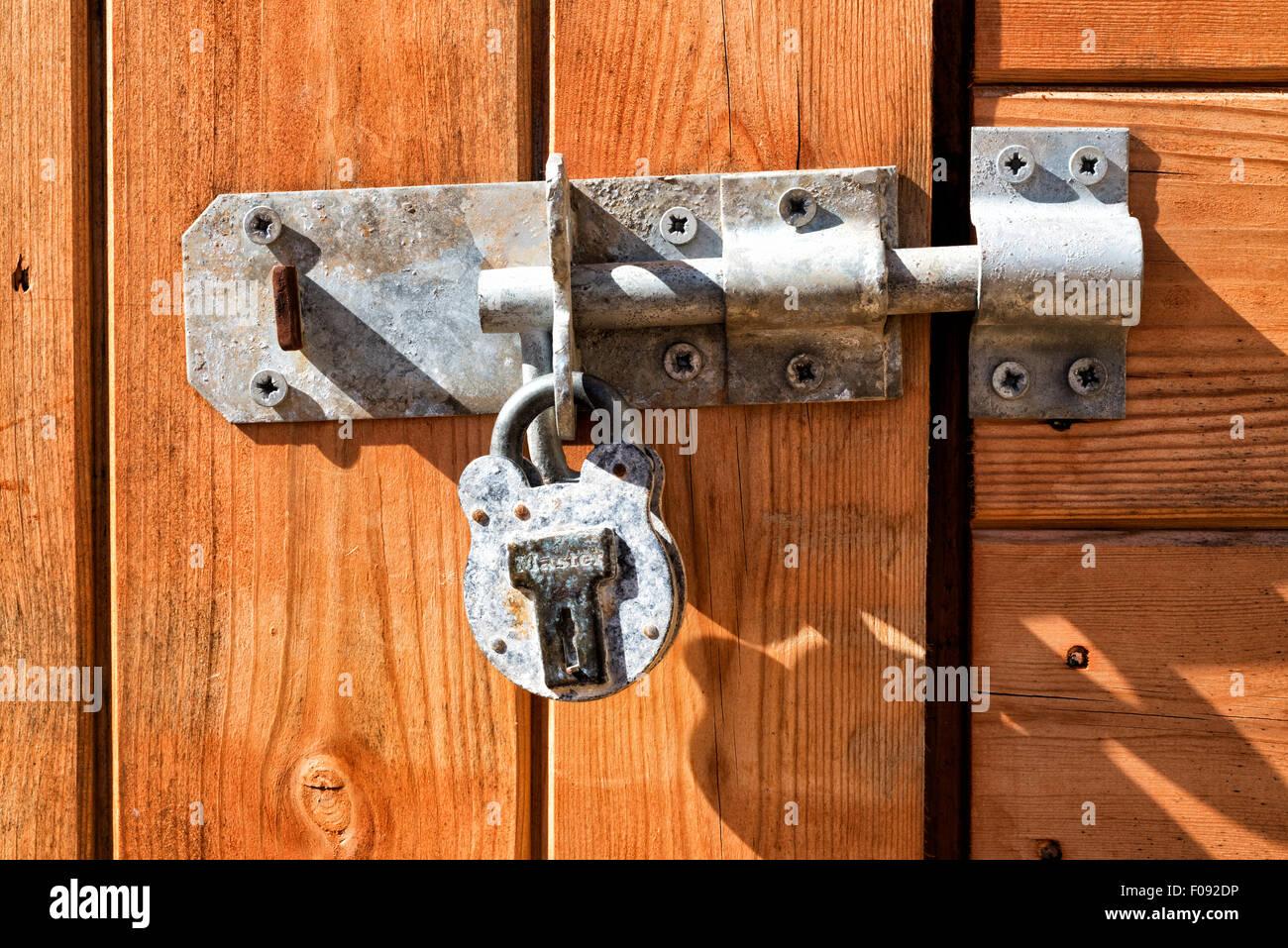 shed door padlock stockfotos shed door padlock bilder. Black Bedroom Furniture Sets. Home Design Ideas