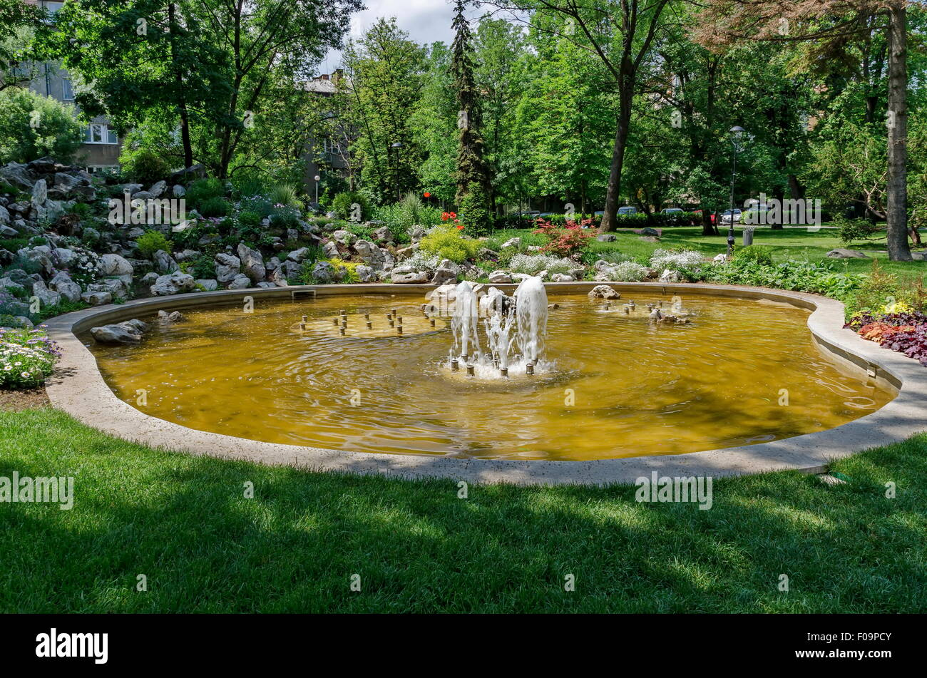 Steingarten Mit Springbrunnen: Granit