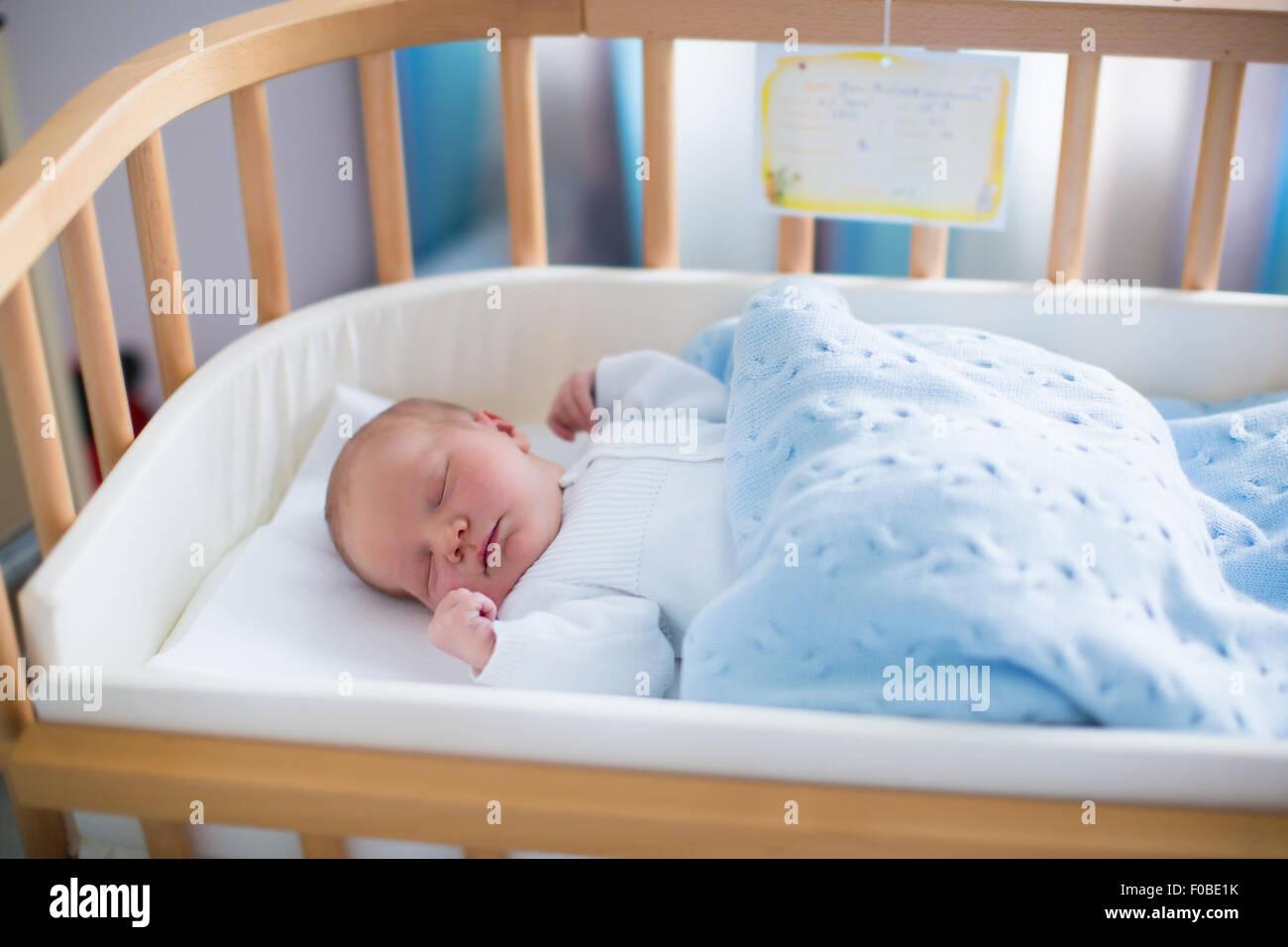 bettwsche baby junge great x baby bettwsche tlg bettset baumwolle escape wei beige with. Black Bedroom Furniture Sets. Home Design Ideas