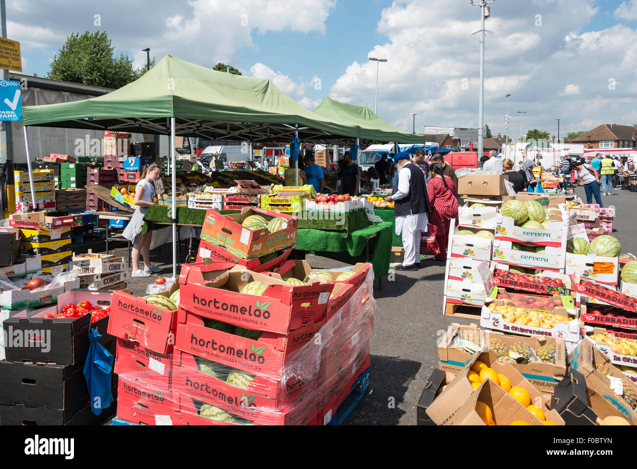 Hounslow West Parkplatz Auto Boot Markt, Hounslow West London Borough of Hounslow, Greater London, England, United Stockbild