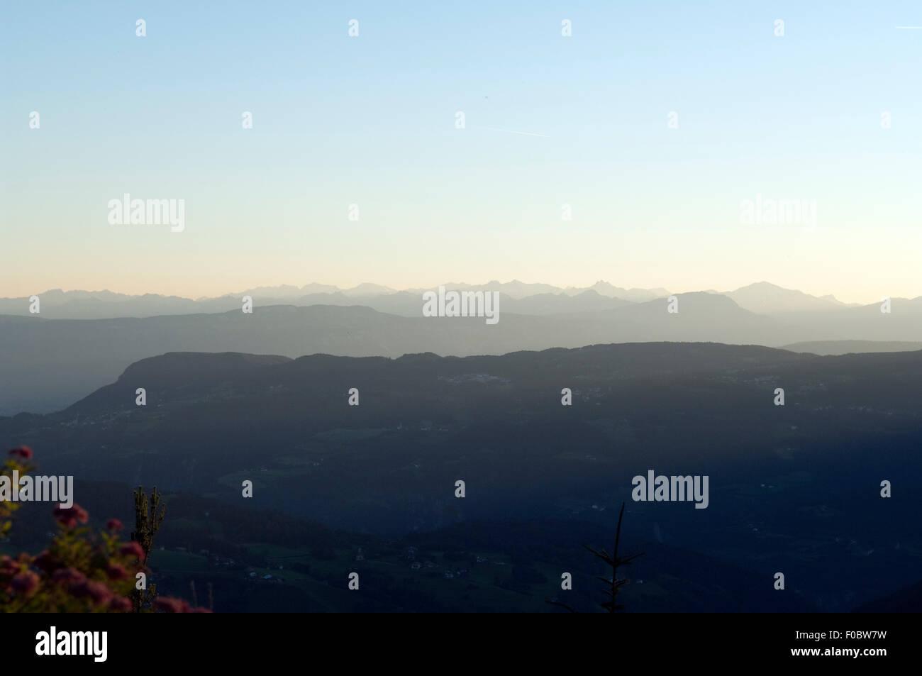 Bergprofil, Abend, werden, Profil, Ötztaler; Alpen; Seiser; Alm; Blick, Zillertaler Stockbild