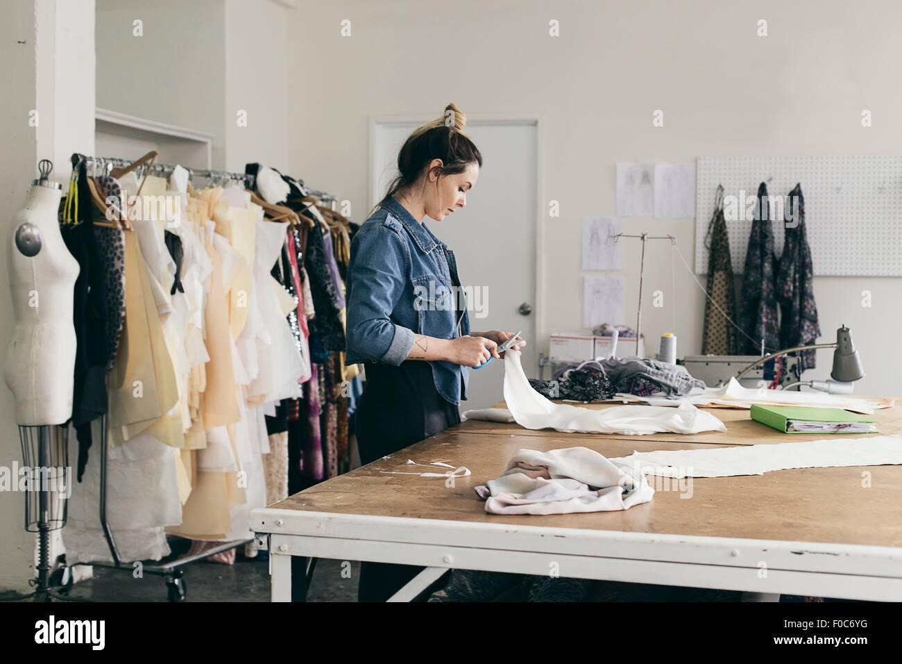 Pattern Cutting Fashion Stockfotos & Pattern Cutting Fashion Bilder ...