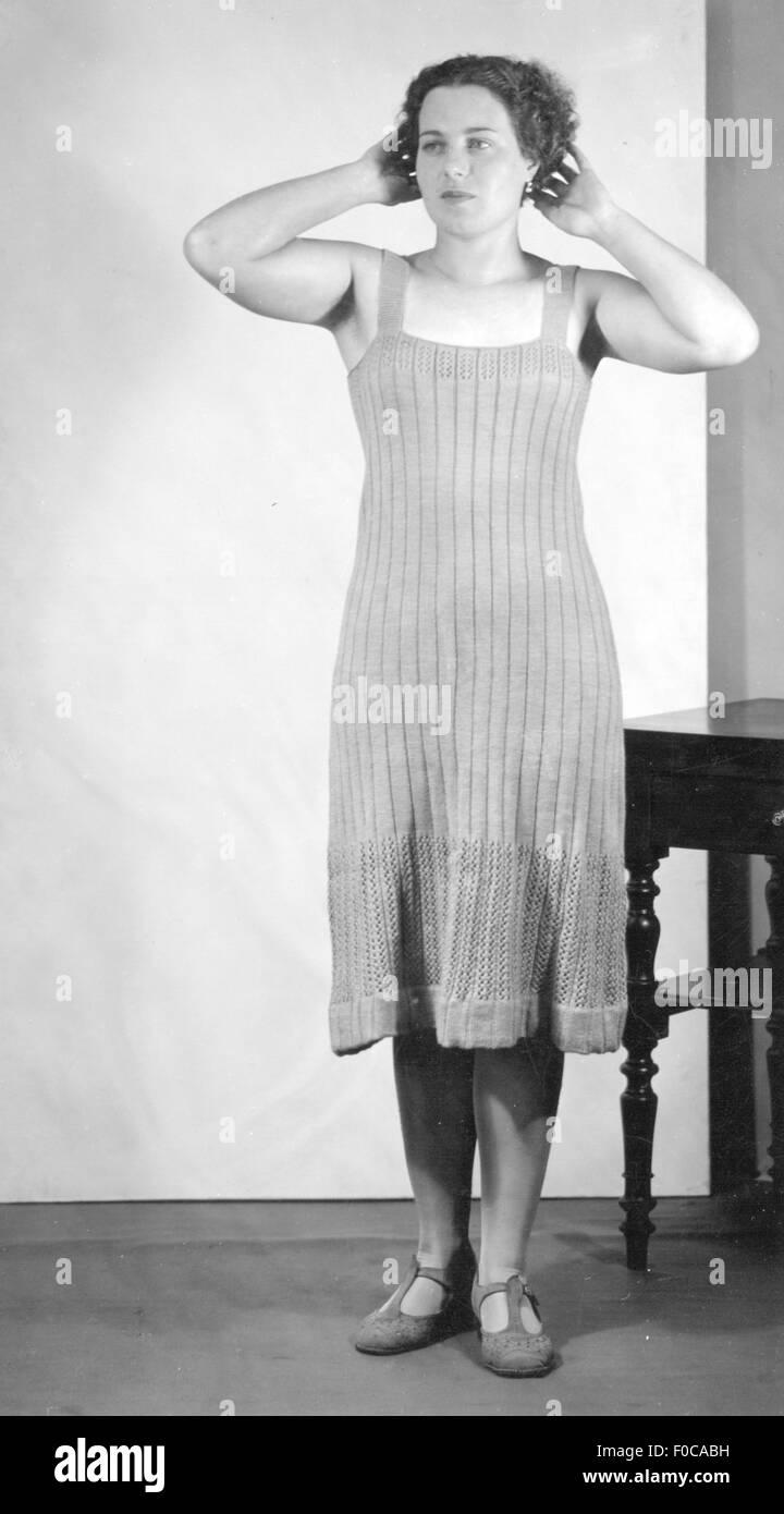 1930s Dress Woman Stockfotos & 1930s Dress Woman Bilder - Alamy
