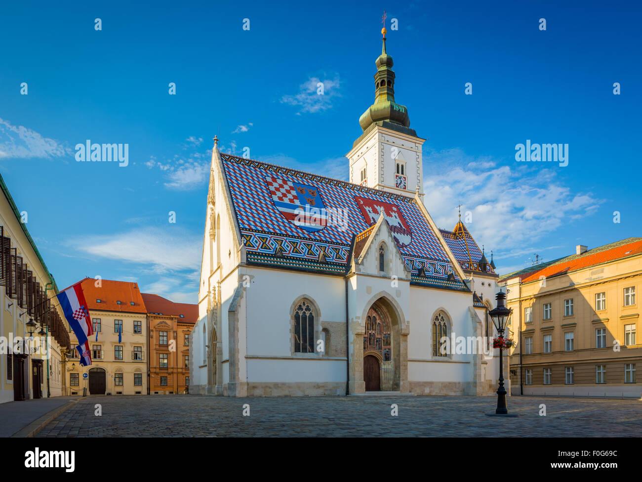 Die farbenfrohen St.-Markus-Kirche ist eines der ältesten Gebäude in Zagreb und eines seiner Symbole Stockbild
