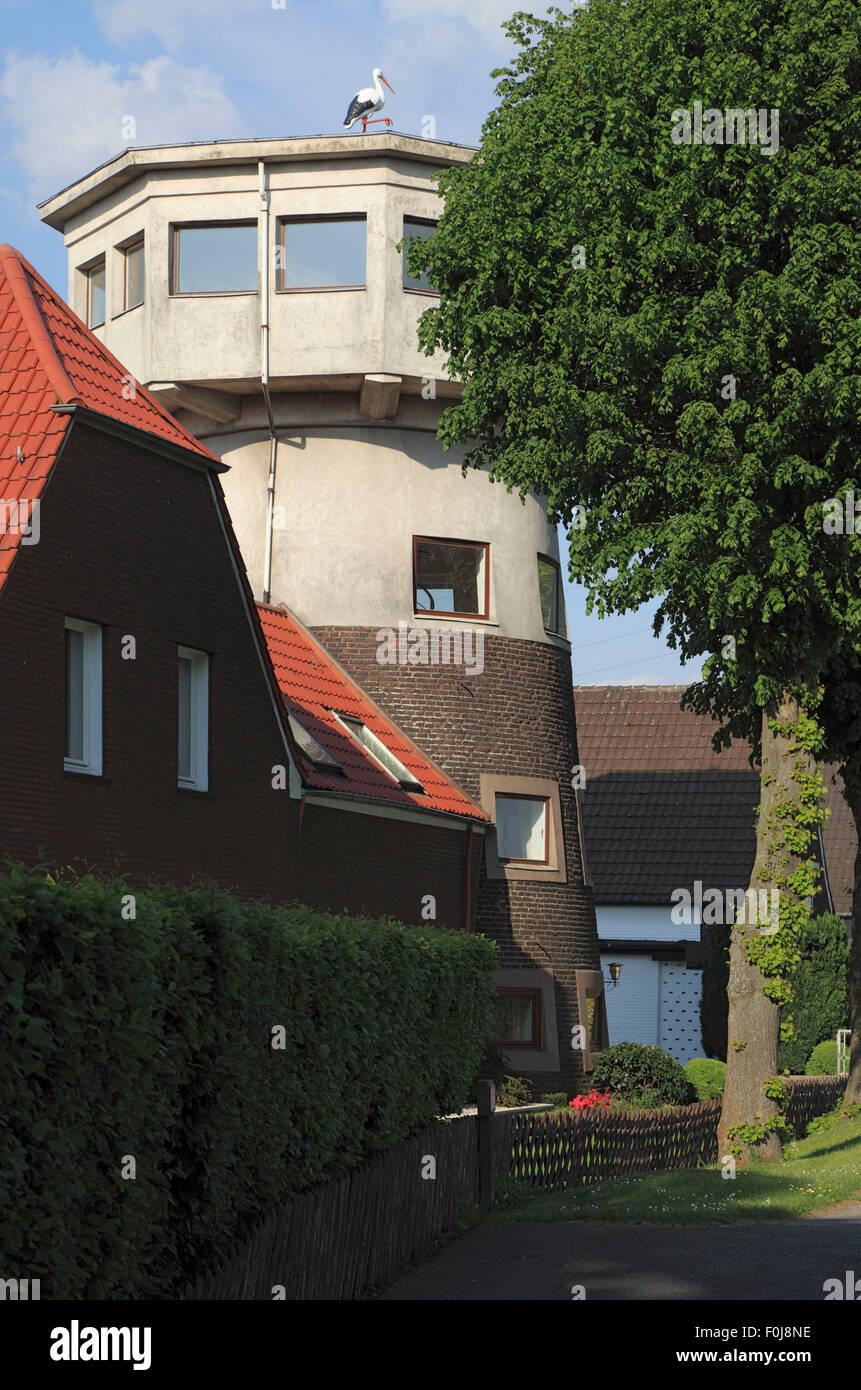 """Muehlenturm """"Haus Storchennest"""" in Voerde-Goetterswickerhamm, Niederrhein, Ruhrgebiet, Nordrhein-Westfalen Stockbild"""