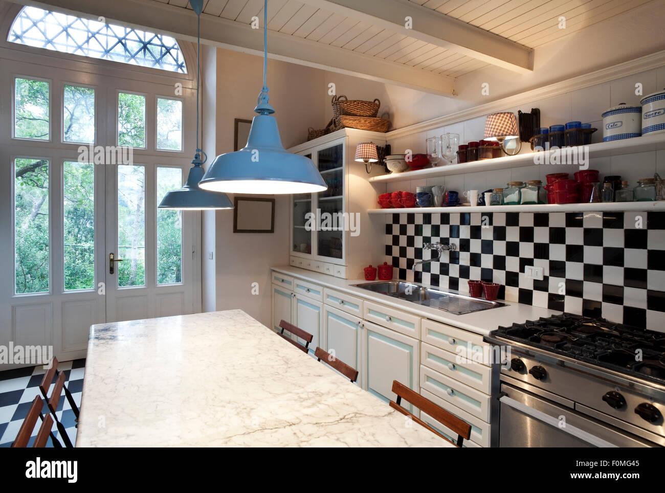 Schachbrett Boden, Küche Interieur Stockfoto, Bild: 86503541 - Alamy