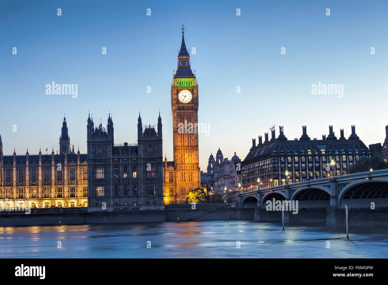 London, Houses of Parliament (Palace of Westminster), Themse und Westminster Bridge Stockbild