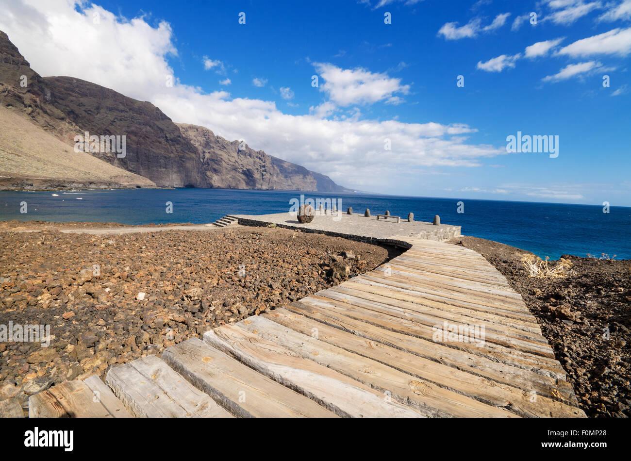 Holzweg Gehweg in Teno Küste, Teneriffa, Kanarische Insel, Spanien. Stockbild