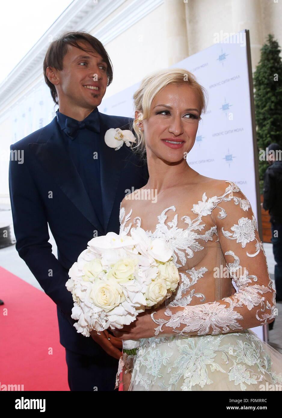 Moskau, Russland. 18. August 2015. Zweifache Eiskunstlauf-Weltmeister Maxim Trankow (L) und Tatyana Volosozhar während Stockfoto