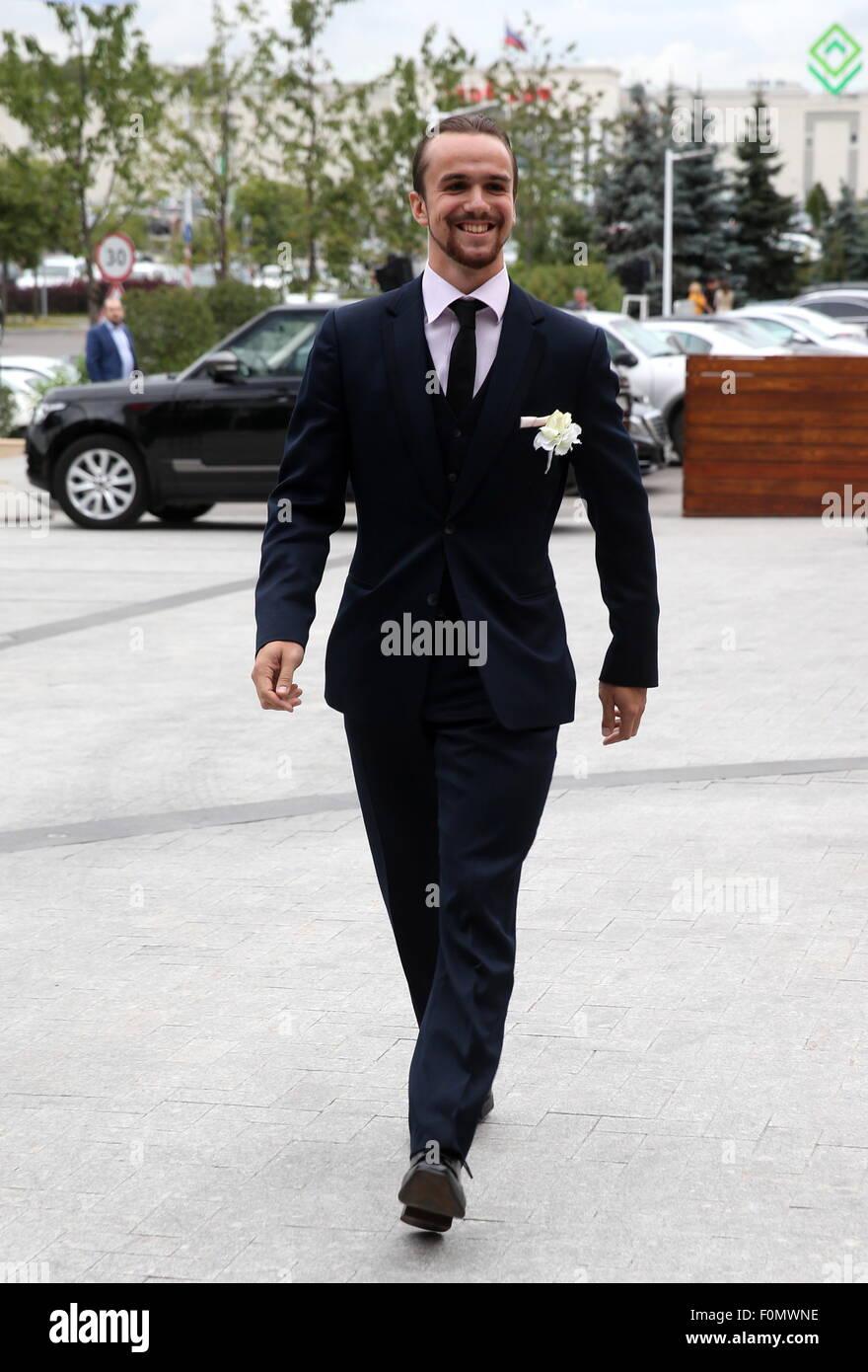 Moskau, Russland. 18. August 2015. Eiskunstläufer (Fjodor) Fedor Klimov bei der Hochzeit von zweifache Eiskunstlauf Stockfoto