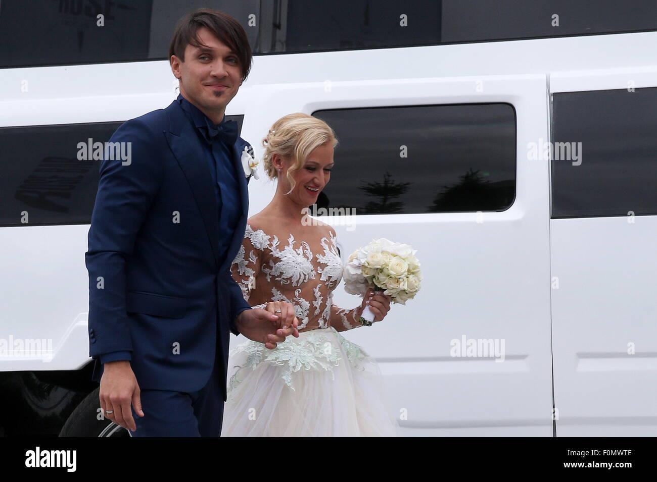 Moskau, Russland. 18. August 2015. Zweifache Eiskunstlauf-Weltmeister Maxim Trankow (L) und Tatiana Volosozhar während Stockfoto