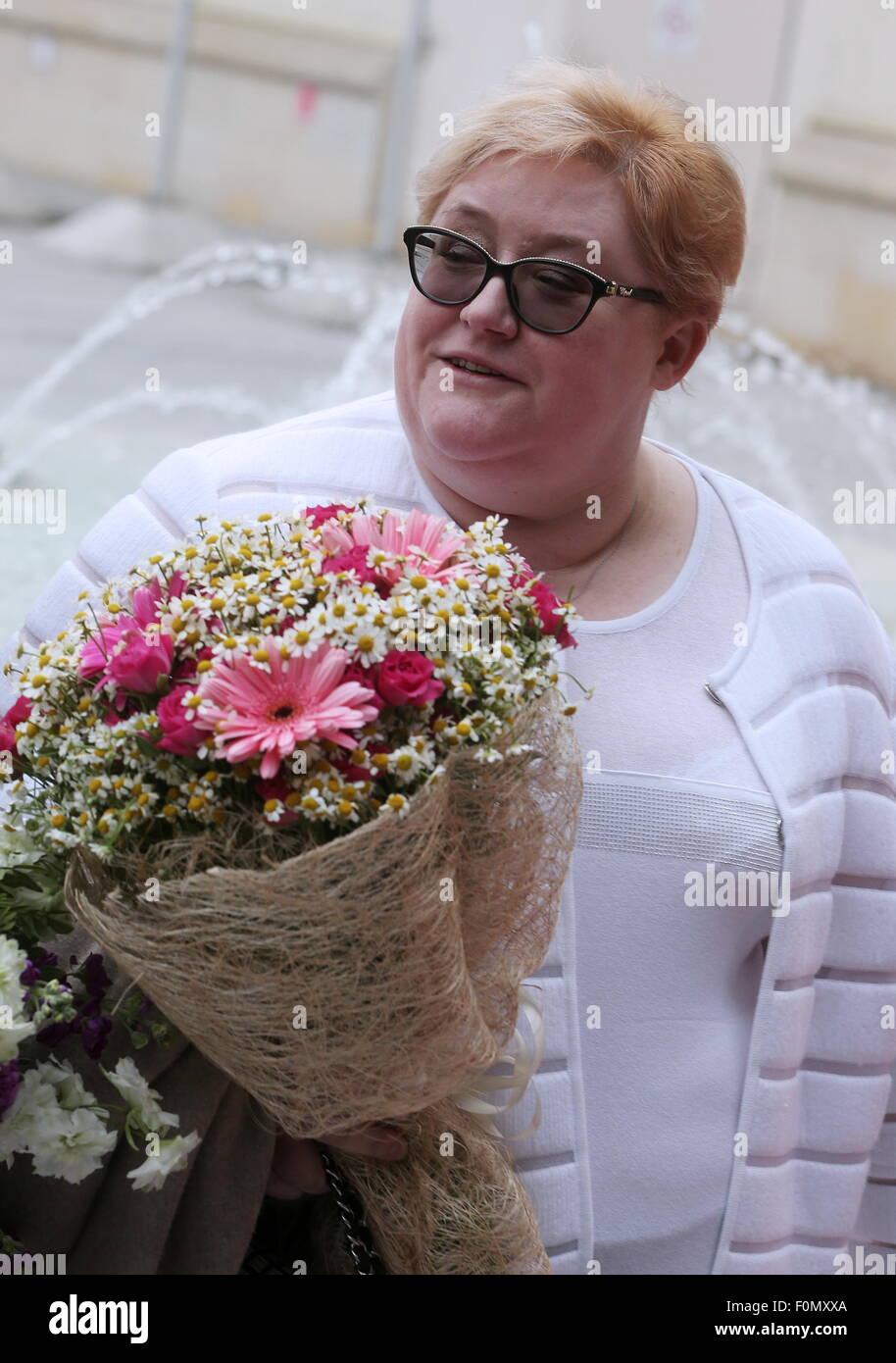 Moskau, Russland. 18. August 2015. Der zweimalige Eiskunstlauf Trainer Nina Mozer bei der Hochzeit von Eiskunstlauf Stockfoto