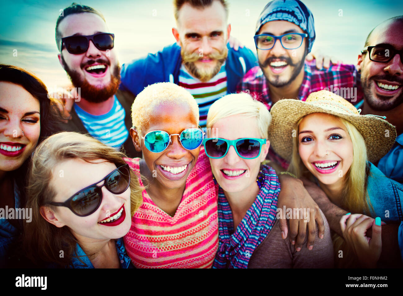 Beach Party miteinander Freundschaft Glück Sommer Konzept Stockbild
