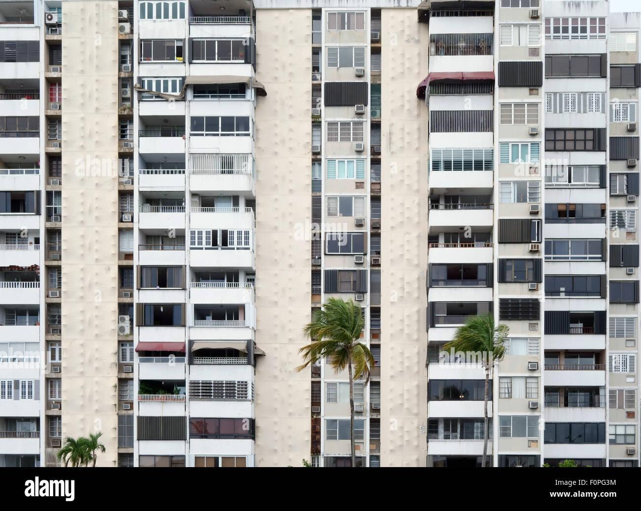 Hohen Aufstieg Wohnungen Carolina Bezirk Puerto Rico Stockbild