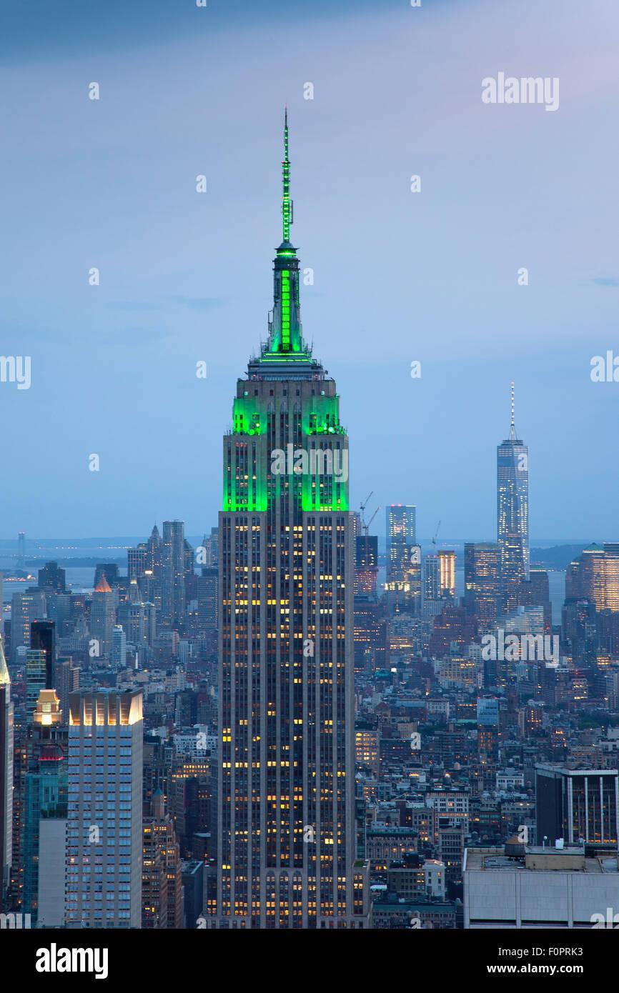 USA, New York State, New York City, Manhattan, Skyline der Stadt von oben auf das Rockefeller Center gesehen. Stockbild