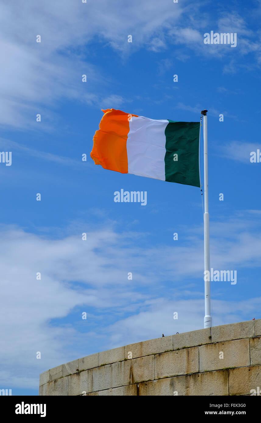irische Flagge Tricolor dreifarbige Republik von Irland Stockfoto