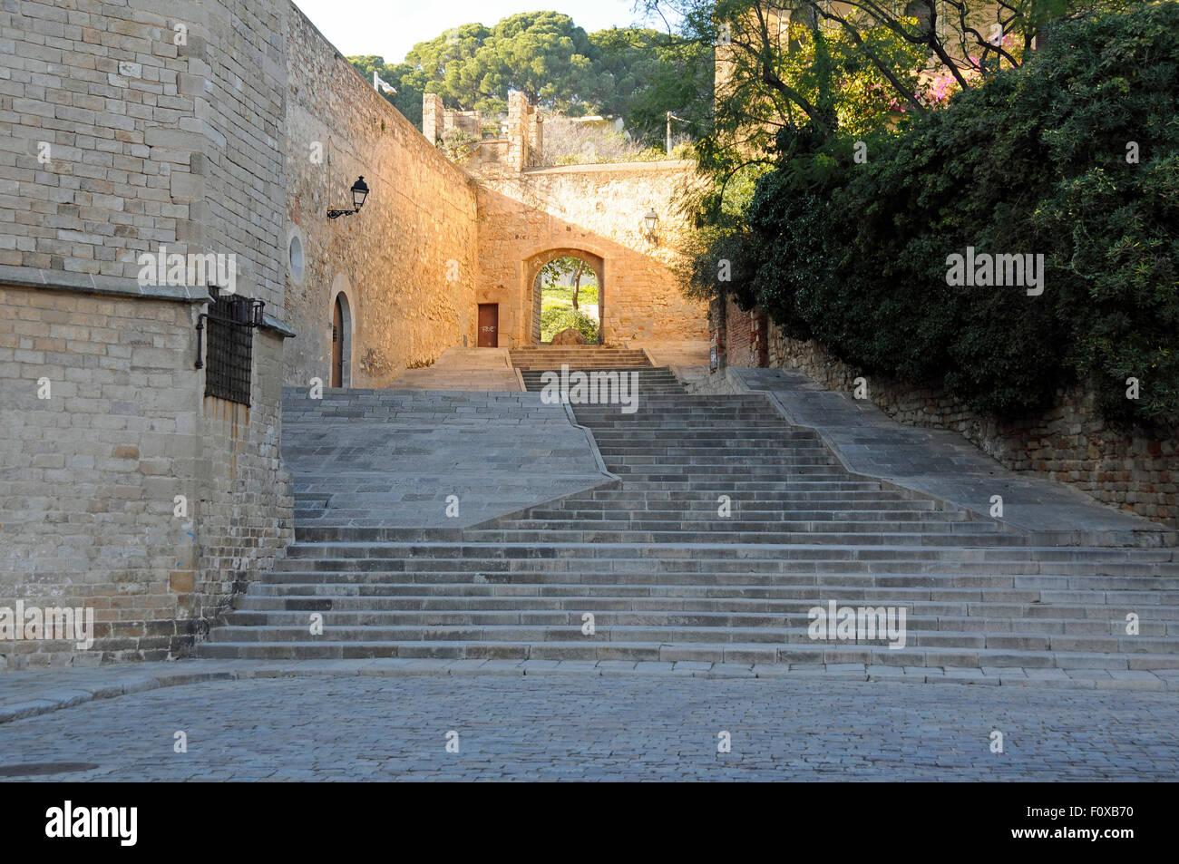 Innenhof im Kloster von Pedralbes in Barcelona, Spanien Stockbild