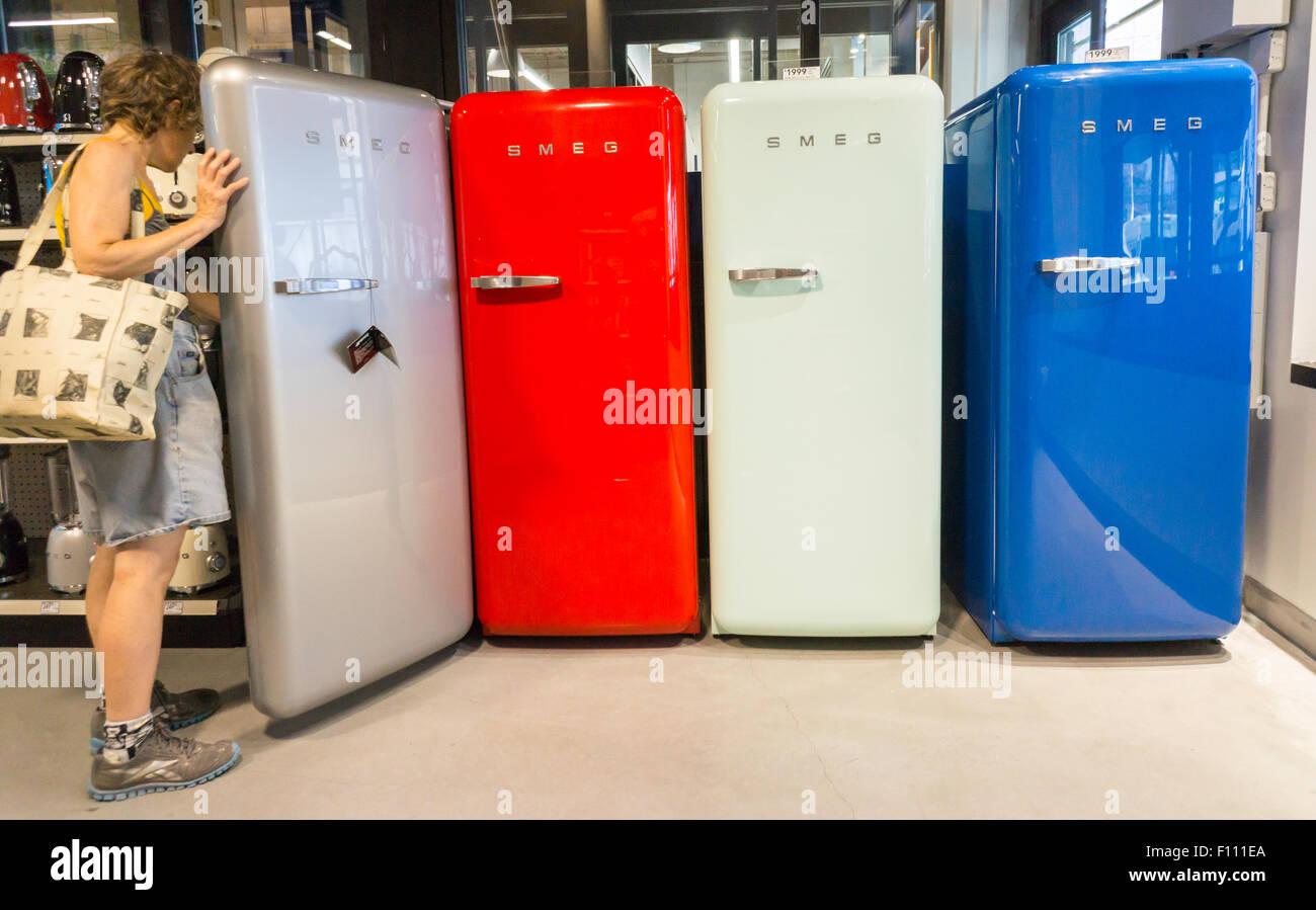 Smeg Kühlschrank Schiefer : Smeg stockfotos smeg bilder alamy