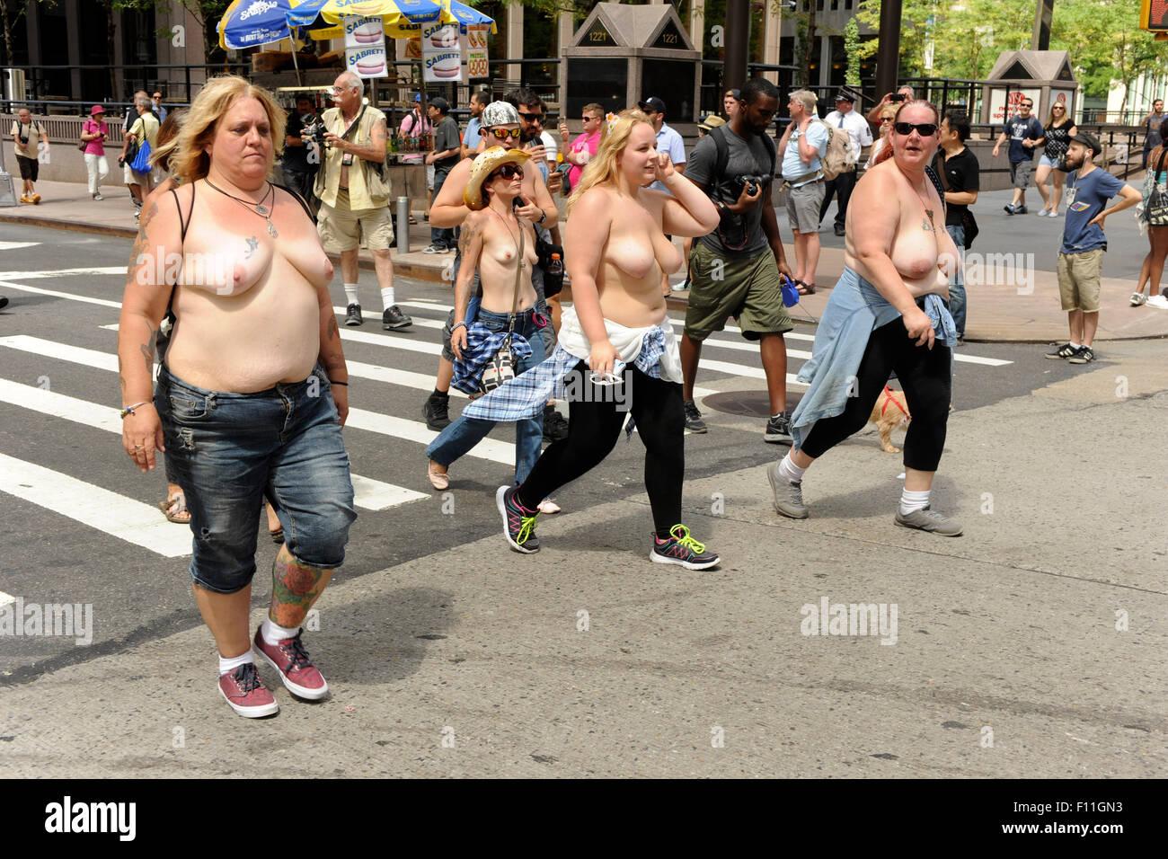 New York City 23 August 2015 Frauen Nackt Ihre Nackte Brust Da