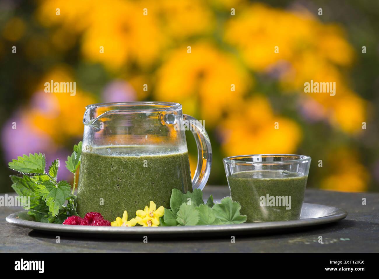Green Smoothie Smoothie, Grüner Smoothie, Smoothy, Ganzfruchtgetränk, Gesund, Gesundheit, Gesundheit, Stockbild