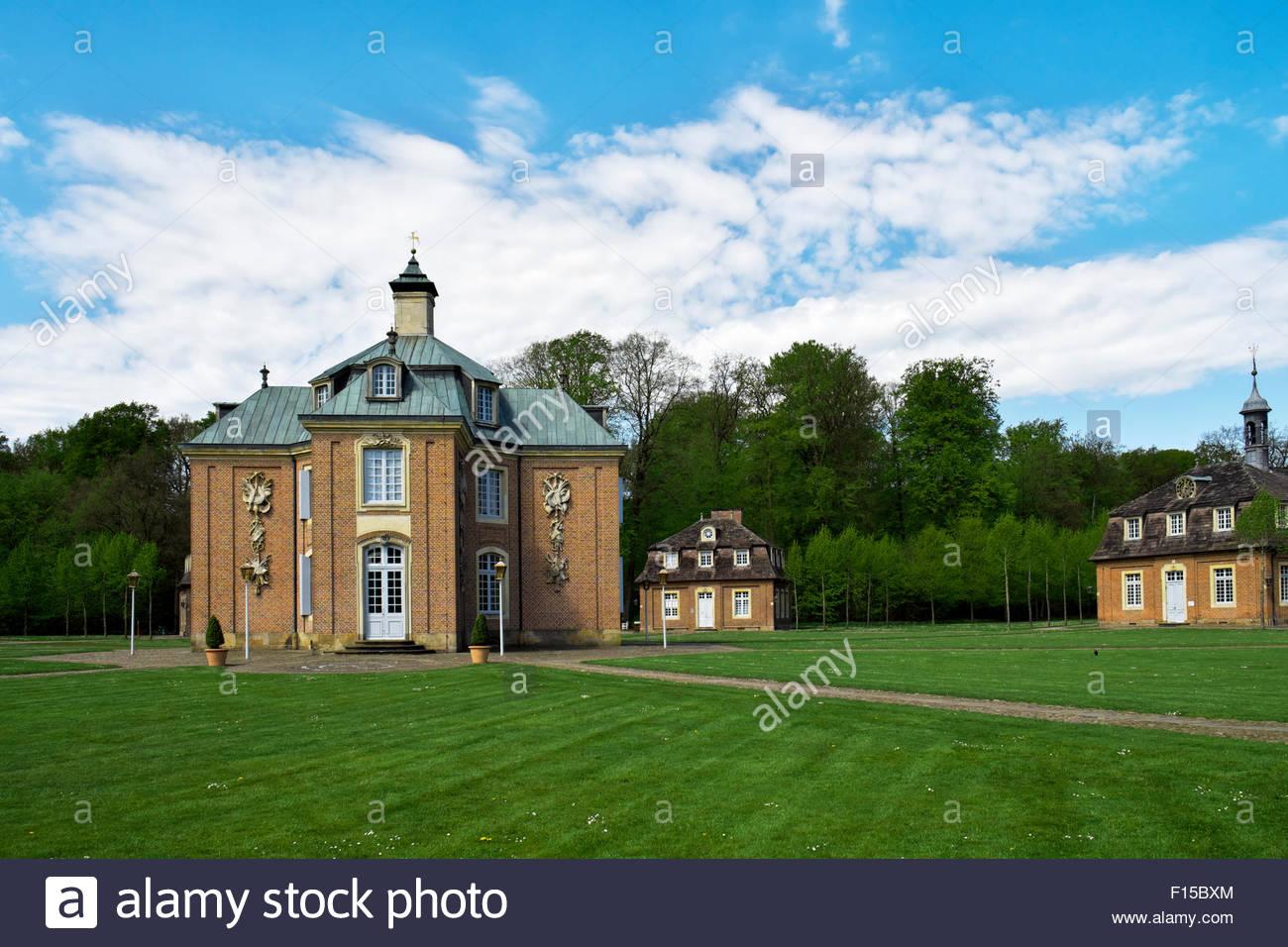 Ring von Gebäuden auf Schloss Clemenswerth, Sögel, Niedersachsen, Germany Stockbild