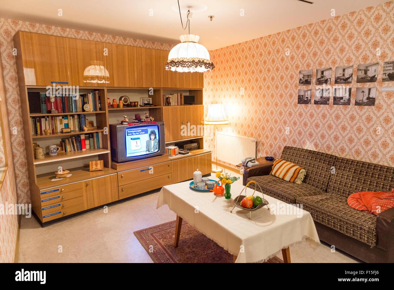 Heimische Wohnzimmer Im Ddr Museum In Berlin Deutschland Stockfoto