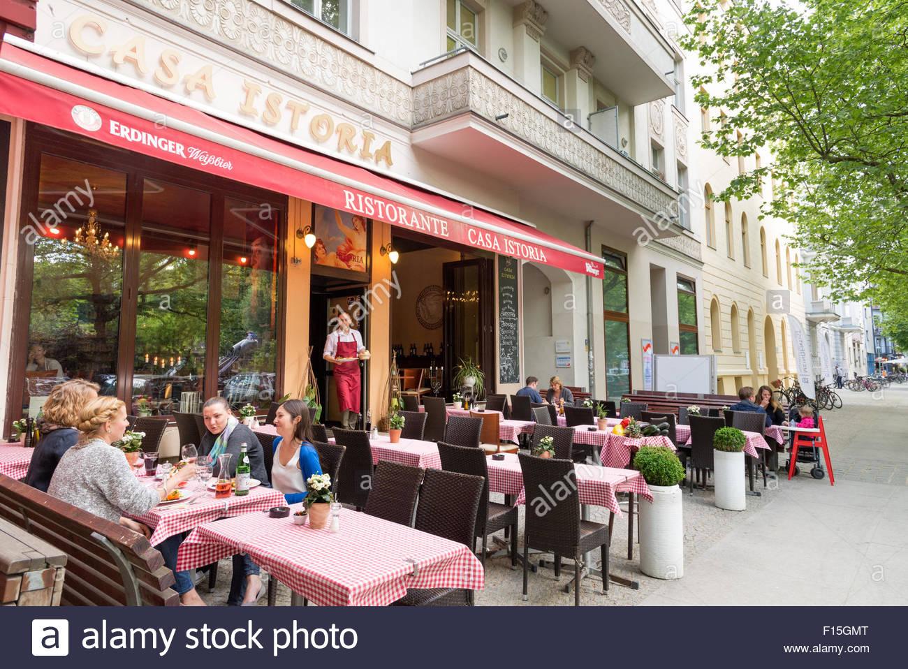 Restaurant am Kollwitzstrasse im Bezirk Prenzlauer Berg, Berlin, Deutschland Stockbild
