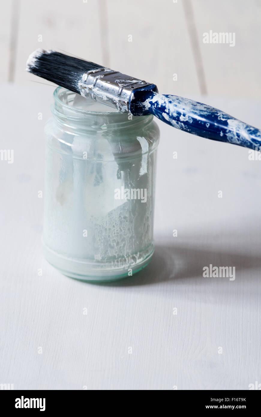 Stillleben mit blau und weiß getönten Objekte Stockbild