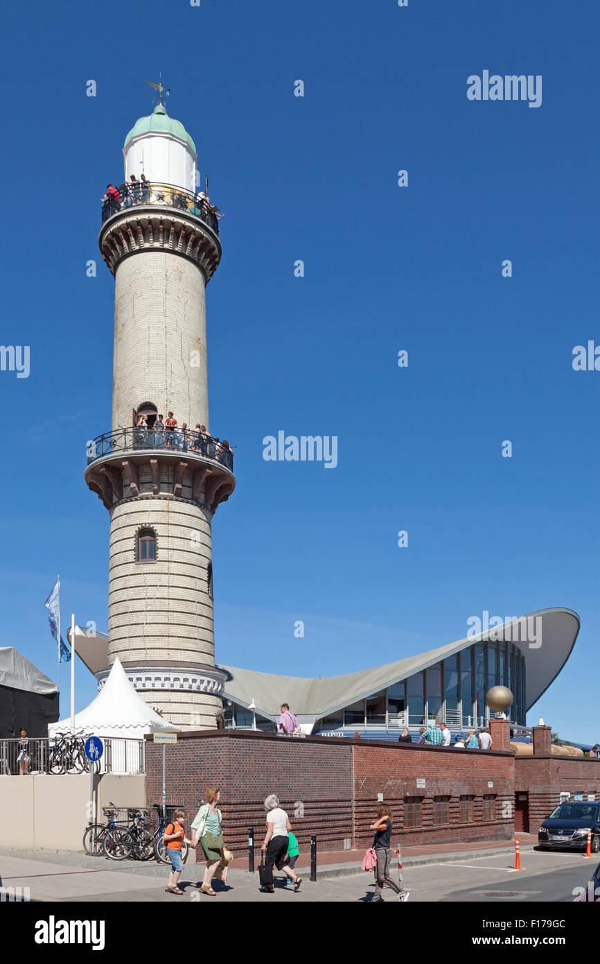 Leuchtturm und restaurant teepott warnem nde rostock for Urlaub ostsee warnemunde