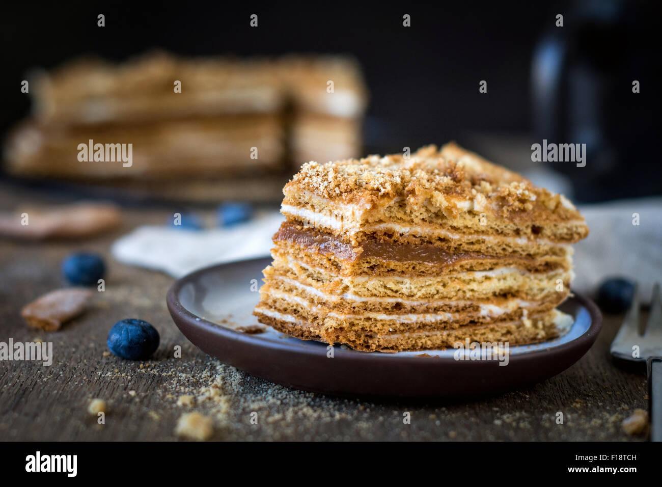 Stuck Vom Hausgemachten Medovik Geschichtet Honig Kuchen